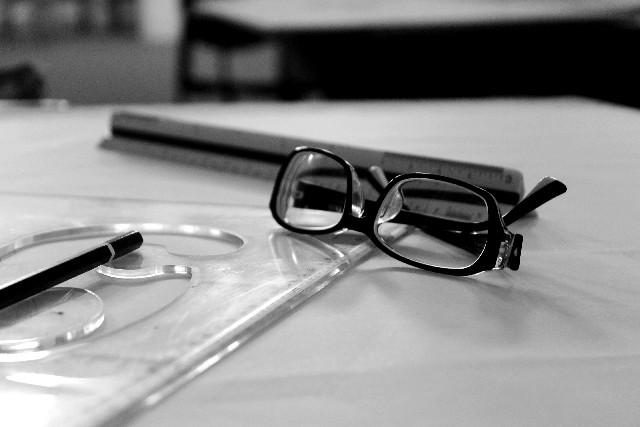 システムエンジニアの眼精疲労を解消する方法